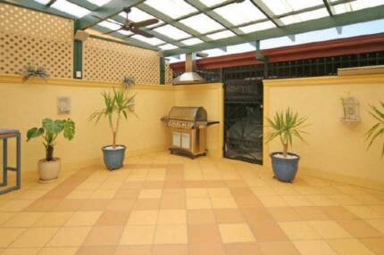 Housemate required for Furnished room - Female