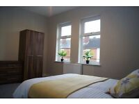 LARGE DOUBLE ROOM AND ENSUITE ROOM TO LET