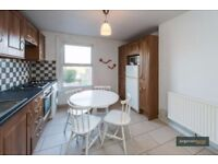 3 BEDROOM FLAT **COUNCIL TAX AS WELL AS WATER BILL IS INCLUDED IN THE RENT * 4 WEEKS DEPOSIT ONLY**