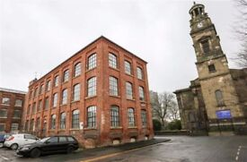 Modern Spacious 2 Bed Flat TO RENT Stockport Centre SK1 inc. Parking