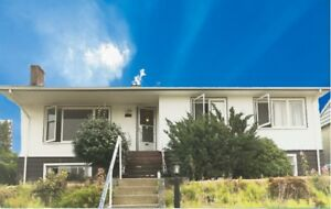 4 Bedrooms Partly Renovated House Close to Metrotown & BCIT