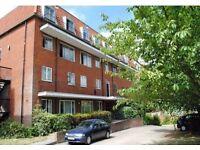 2 bedroom flat in Hartley House, Ballards Lane N3