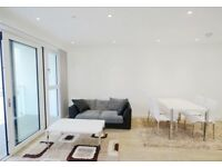 2 bedroom flat in Wandsworth Road, London, SW8