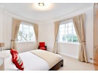 3 bedroom flat in Norfolk Road, London, NW8