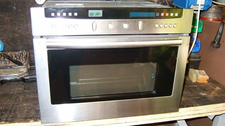Neff B6774OGB BUILT IN OVEN