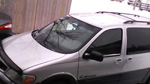 2003 Pontiac Montana EXT .