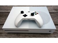 XBOX ONE S WITH FORTNITE LIKE NEW