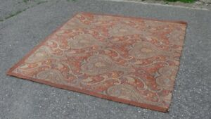 Area Rug,   5 ft square