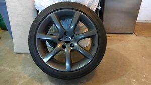Rims with 4 Michelin Primacy MXM4 tires