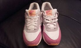 Nike air max trainers size 6.5