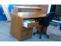 quality desk with pullout drawers and pc chair in great cond £45