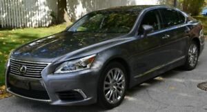 PRISTINE LEXUS LS460 AWD W/ EXECUTIVE PACKAGE