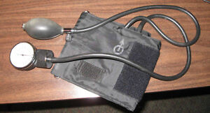 Vintage blood pressure monitor Peterborough Peterborough Area image 1