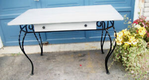 Ornate Desk Buy And Sell Furniture In Ontario Kijiji Classifieds