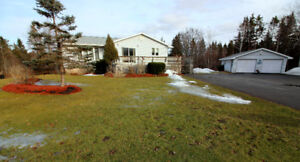 Antigonish: Well maintained 3 bed/2 bath home on 2.13 ac