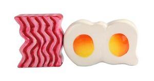 BACON-AND-EGGS-BREAKFAST-CERAMIC-SALT-AND-PEPPER-SHAKERS-SET-MAGNETIC-ATTACHED