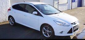 Ford Focus titanium navigator White 1.0 ecoboost turbo TOP SPEC!