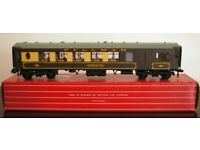 Hornby-Dublo 4037 Pullman Car Brake/2nd Class with Interior Fittings No 79 Brown and Cream