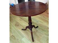 High Quality Georgian Mahogany Side Table with a Circular Tilting Top