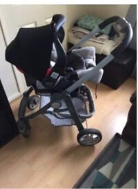 Graco travel system including car seat and isofix base - please make an offer