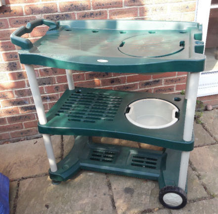 Ordinaire Plastic Potting Bench / Workbench With Sinks On Wheels