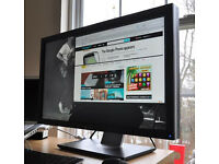 "Dell UltraSharp™ U2711 69 cm (27"") Monitor with PremierColor Details"