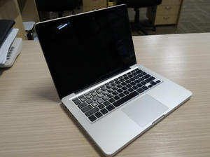 Macbook Pro 13 Perfect for students, graphics, videos etc...