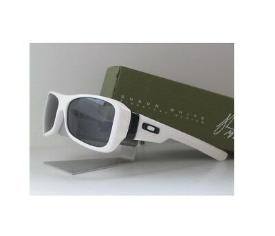 NEW Oakley Montefrio Shaun White Signature Edition White Pinstripe / Grey 03-576