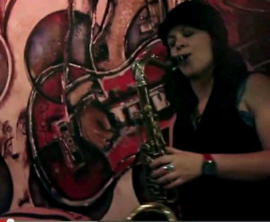 Saxophoniste disponible / sax player available