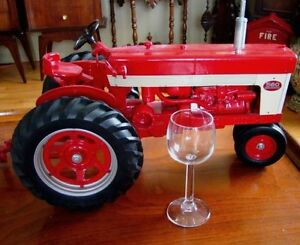 antique style grand tracteur model de 1959 1960 massif 10 livres