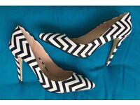 NEW Dorothy Perkins black white high heel shoes 7