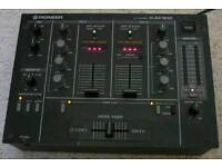 DJM 300 performance mixer