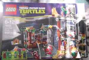 RETIRED LEGO Ninja Turtles - Turtles Lair Attack