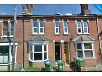 **CALLING SOUTHAMPTON STUDENTS 2017!!** STUNNING FIVE BEDROOM STUDENT HOUSE LOCATED IN THE POLYGON**