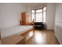 Nice and bright double room in Lewisham near Canary Wharf