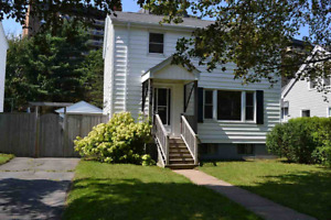 2 LEVEL 3 BEDROOM CHARACTER HOME IN HALIFAX!