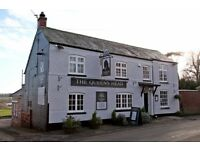 Bar/waiter/ess wanted for small country pub in Saddington