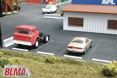 BLMA N Scale 611 Concrete Automobile Car Stop 24 Per Pack New!