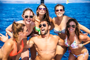 MODELS NEEDED FOR BOATING  COMPANY PROMOTIONAL VIDEO AND PHOTOS