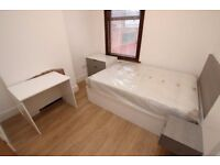 Spacious and bright double room in Lewisham near Canary Wharf