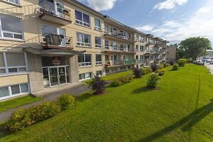 Bachelor available at 2415 Chemin Sainte-Foy, Quebec City