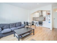A spacious and recently refurbished one bedroom apartment to rent in near shops and transport