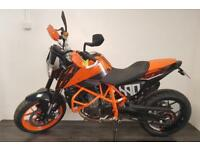 KTM 690 Duke - Excellent condition, full system, loads of extras!