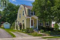 2 Story house with finished basement near George L. Dumont