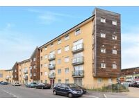 AN IMMACULATE TWO DOUBLE BEDROOM MODERN APARTMENT LOCATED WITHIN EASY ACCESS TO FELTHAM STATION