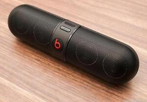 beats pill 100 % working on sale,with charger and other things