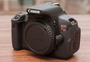 like new canon EOS T4i dslr body with charger
