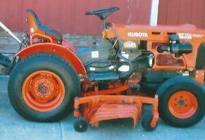 Compact Kubota B7100  tractor with mower