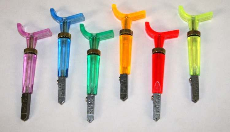 Toyo Thomas Grip Glass Cutter for Stained Glass