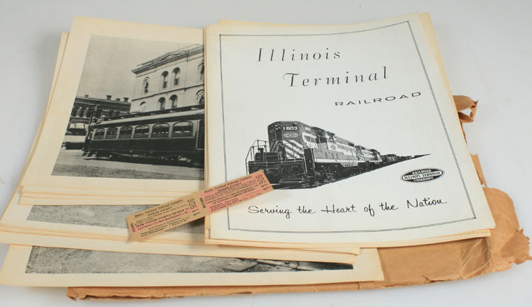 ILLINOIS TERMINAL RAILROAD ENVELOPE W/ 18 IMAGES, TICKET & MAP